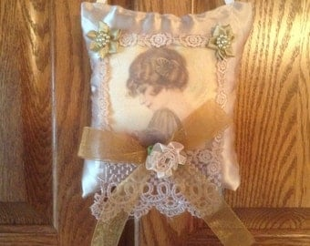 6 inch lavender scented sachet in golden tan with image of Flapper lady