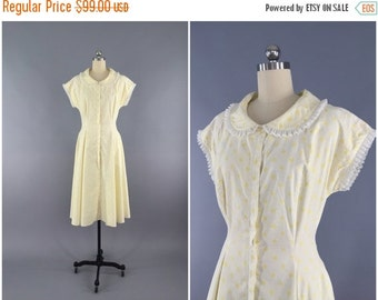 SALE - Vintage 1950s Dress / 50s Day Dress / Loungees Hostess Dress / Fit and Flare New Look 1950 / Size Small S XS