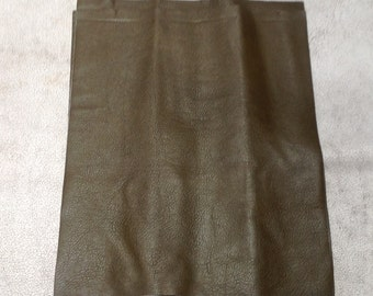 ML935.  Moss Green Leather Cowhide Remnant