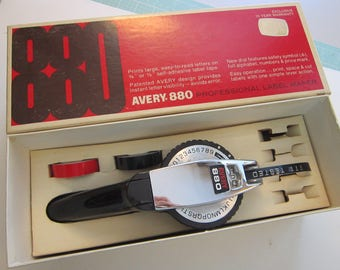 vintage AVERY 880 Professional Label Maker with original box - for use with 3/8 or 1/2 inch tapes
