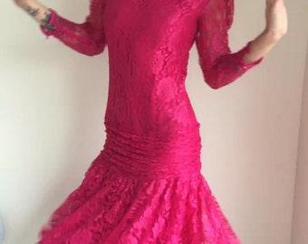 vintage 80s lace dress / dropped waist/ raspberry pink/ fuchsia pink/ flapper 20s style /prom party 1980s 1990s /downtown abbey TIFFANY