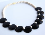 Vintage Black & Ivory tone Necklace ~ Women's Retro Jewelry ~ Avon Colorworks Quality Costume Jewelry