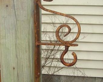 Decorative Scroll Wall Hanger