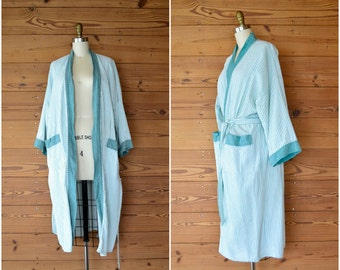 1980s cotton seersucker robe / green and white striped robe / fits most medium large xl