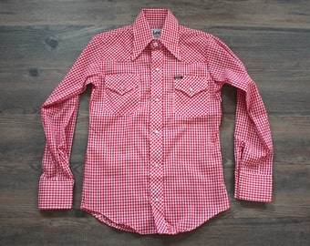 Vintage LEE Gingham Shirts // 1970s Red and White Plaid Snap Button Cowboy Shirt // Rockabilly // NOS