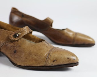 Antique Shoes / Mary Janes / Victorian Shoes Edwardian Shoes 1900s Mary Janes 1910s 1920s Shoes Brown Leather Steampunk Dress Shoes 5 6