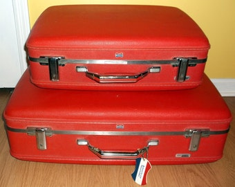 Vintage Set of 2 Red Nesting Suitcases American Tourister Bright Red Clean Pair Nice Luggage