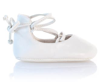 White leather ballerina shoes White Baby Shoes Girl Moccasins Newborn Shoes Baby Shower Gift Baby Slippers Christening Shoes by Vibys
