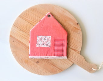 SALE pointed roof house potholder - red cottage house shape potholder - housewarming gift - cottage style kitchen - red trivet - foodie gift