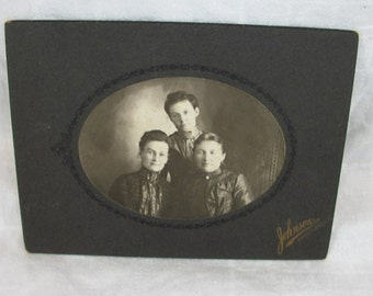 Vintage Antique Cool Looking 3 Ladies Photo in Paper/Cardboard Display Frame