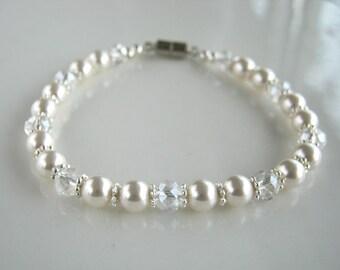 Magnetic Clasp Swarovski White Pearl Bracelet Pearl Bridal Bracelet Pearl Wedding Bracelet