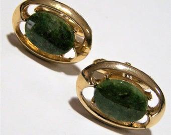 Mens Green Jade Cuff Links,  Oval Stone,  Gold Tone Setting, Mid Century Vintage Jewelry 317dz