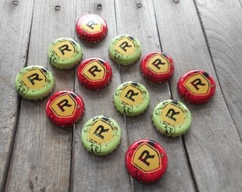 Redd's Apple Ale Bottle Caps for Crafts / Lot 12 (1 dozen) Red or Green caps (mix or match) choice use to make floating / tealight candles