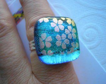 Ring Dichroic Glass Emerald with Flowers Iridescent Fused Glass Jewelry Flowered Adjustable Ring Statement Color Shifting Green Teal Blue
