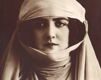 Woman of Toulouse, in Wimple and Gorget. French Postcard by A. Noyer, posted 1921