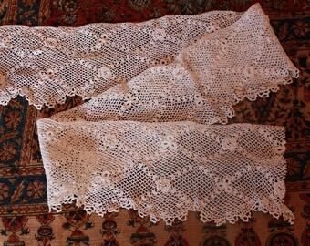 Fine Antique Irish Crocheted Lace Trim Scalloped Edging Doll Bear Clothing
