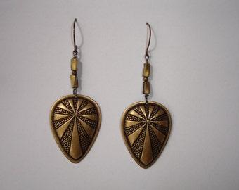 Earrings - Boucles d'oreilles Art Déco et perles torsadées couleur noir-bronze