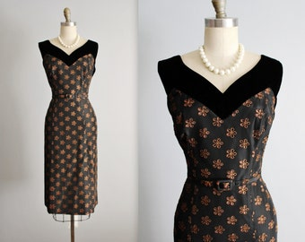 50's Cocktail Dress // Vintage 1950's Embroidered Eyelet Taffeta Marilyn Cocktail Party Wiggle Dress L