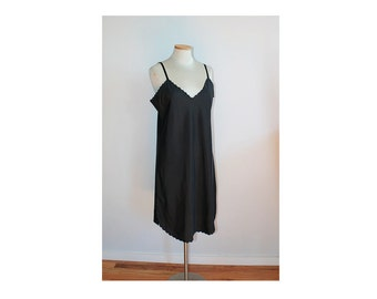 1970s Black Slip // Large Saks Fifth Ave