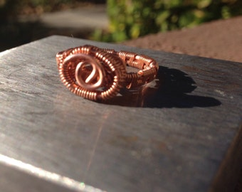Copper band ring with center swirl,copper ring,handmade ring,wire weaved ring,Ring,wire weaved jewellery,wire jewelry,wire jeweler,Gift