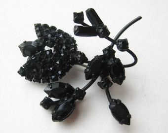 Vintage 50s Weiss Style Rhinestone Black Japanned Floral Spray Brooch Pin