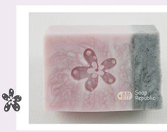 SoapRepublic Little flower Acrylic Soap Stamp