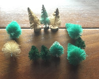 11 Lot of Vintage Bottlebrush Trees Miniatures for crafts 1 inch to 1 1/2 inch