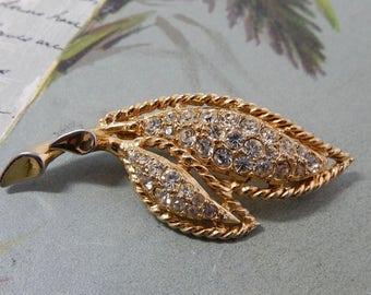 Signed HATTIE CARNEGIE Rhinestone Leaf Brooch   OY7