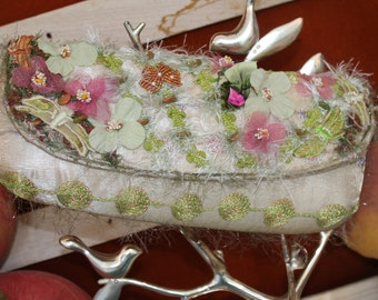 Mary Frances Floral Handbag