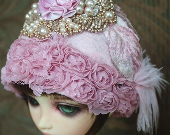 Pink Roses Cloche Style Felt Flapper Hat For Ball Jointed Dolls & Blythe
