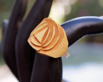 Yellow Carved Bakelite Ring, size 5