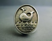 Whale signet ring