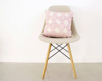 Pink pillow cover 16 x 16 inches. Cotton throw pillow with modern print, screenprinted by hand. Decorative cushion for welcoming homes.