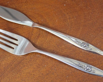 Vintage Flatware by Oneida Lasting Rose Pattern Stainless Silverware Roses Floral Flowers glossy replacements utensils fork butter BIN 57