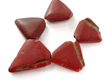 5 Bohemian Trianglular Trade Beads Red Africa 103621