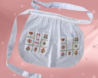 Embroidered Cute Kitchen Apron - Vintage Half Apron - Red & Green Embroidery - One of a Kind Handmade Apron -Retro Womens Apron Gift for Mom