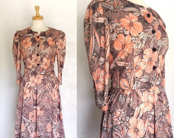 FREE SHIPPING//Vintage floral house dress//orange and brown flowers dress//size large
