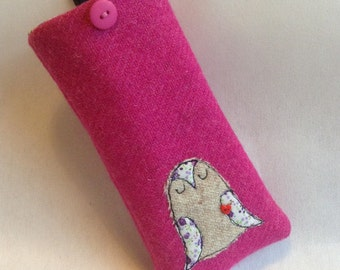 Sleepy owl pink Harris Tweed glasses case, specs case, glasses holder, embroidered owl, free motion machine embroidery