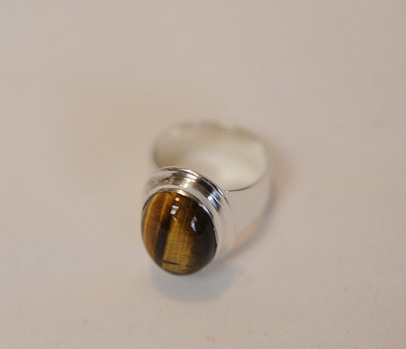 Vintage Sterling Silver 925 Tigers Eye Cabochon Wide Band Ring.. Size 7.25 (#26)