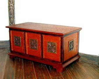 Mahogany Blanket Chest, Dollhouse Miniature 1/12 Scale, Hand Made