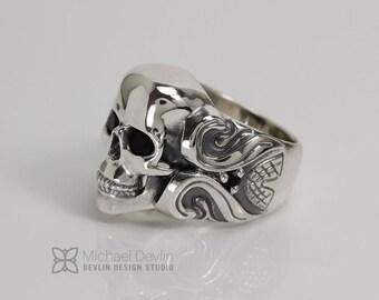 Skull ring large