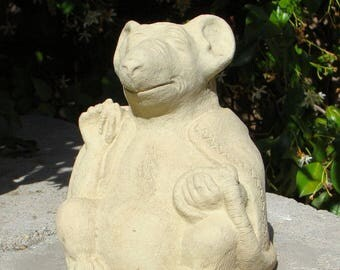 MEDIUM MEDITATING RAT Solid Stone Statue. Concrete Mouse Animal Praying Buddha Sculpture Accent Decor Outdoor Figurine Artwork