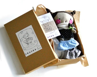 Dressing rag doll set in box Duvet Pillow Coloring pages Bear pin Skirt Cape Capelet Scarf