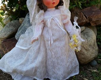"""vintage Furga bride doll, brunette 17"""" doll"""