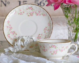 Prettiest POPE GOSSER Pink Roses TEACUP And Saucer, Shabby Chic, Gold Trim, Tea Time