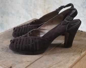 1940s heels/ 40s brown suede platform peep toes/ size 9