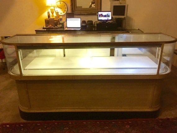 1930s Antique Wrap Desk Countertop Jewelry Display Case