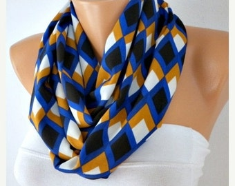 ON SALE --- Chevron  Infinity Scarf,Fall Winter Scarf,Christmas Gift,Circle Scarf Loop Scarf  Gift -fatwoman