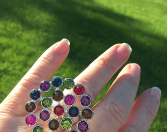 Vintage multi colored ring with stretchy band to fit all