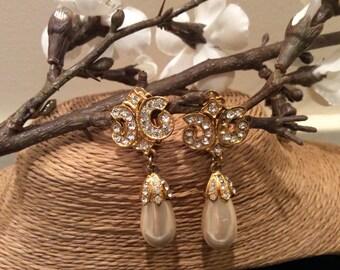 Large Pearl and Rhinestone Costume Drop Earrings Vintage, Vintage Clip  On  Earrings, Vintage Costume Jewelry, Vintage Jewelry
